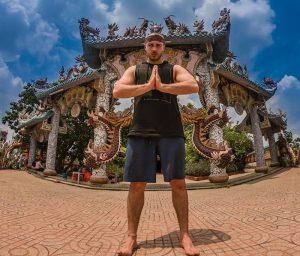 Chùa Miếu Nổi đã trở thành một điểm du lịch Sài Gòn vô cùng nổi tiếng.