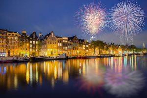 Những màn pháo hoa rực rỡ ở Amsterdam.
