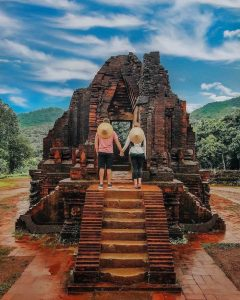 Thánh địa Mỹ Sơn thu hút sự quan tâm của đông đảo du khách trong nước và quốc tế.