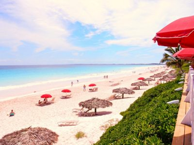 Chiêm ngưỡng một trong số những bãi biển đẹp nhất thế giới
